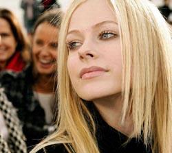 Avril Lavigne Tinggalkan Suami