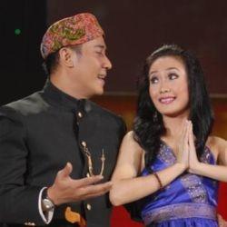 Foto Bugil Bikin Pertunangan Ayu 'Take Me Out' Ditunda?