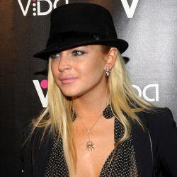 Digoncang Video Porno, Lindsay Lohan Tampil Tanpa Bra