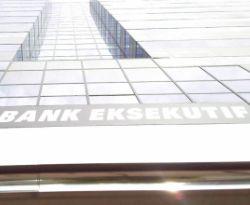 \Mantan Pangab Jadi Komisaris Utama Bank Eksekutif\