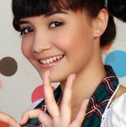 Saskia Sungkar (Foto:Friendster)