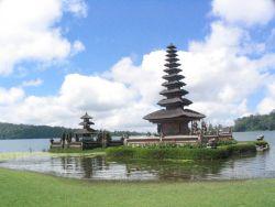 Tinggalkan Jejak Bali di Negeri Sakura