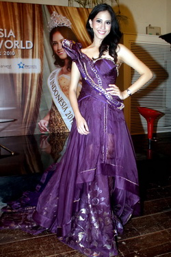 'Kontestan Miss World Kagumi Pariwisata & Heritage Indonesia'