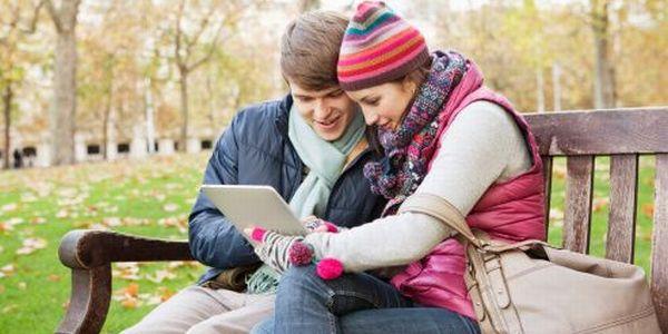 12 Cara Pria Ungkapkan Cinta Tanpa Kata-Kata