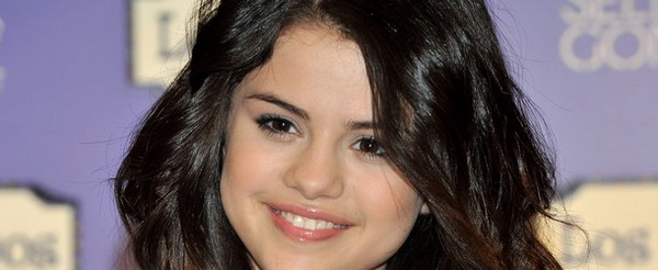 Gambar Telanjang Selena Gomez Jadi Incaran Hacker