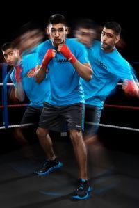 Pertahankan Juara Dunia, Amir Khan Pakai Reebok Zigtech
