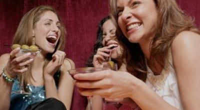 Wanita, Minum Alkohol 1 Gelas Sehari Bebas Serangan Jantung
