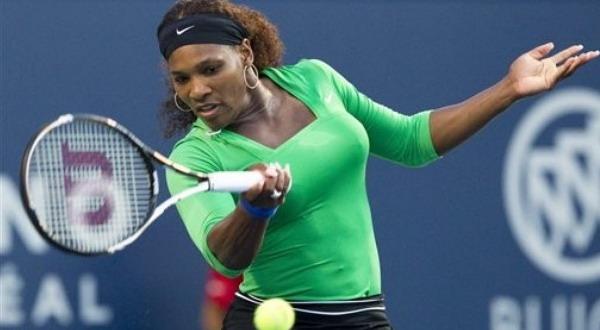 Aksi Serena Williams saat mengalahkan petenis Ukraina Alona Bondarenko (foto: AP Photo)