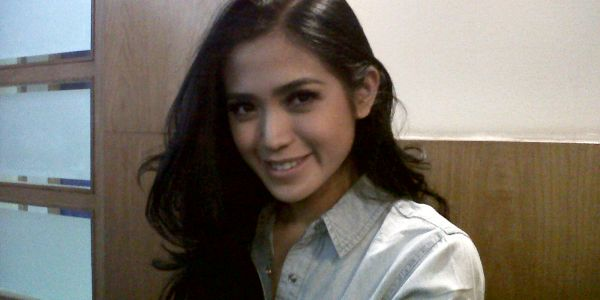 Jessica Iskandar Tak Mau Buru-Buru Mualaf