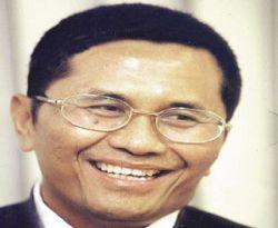 \Dilantik Pakai Sepatu Kets, Dahlan Iskan Tak Izin SBY\