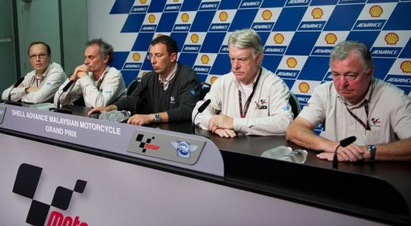 Foto: Konferensi pers untuk menerangkan kematian Marco Simoncelli (Getty Images)