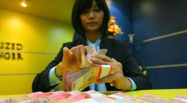 \Teller Tidak Boleh Outsourcing, Biaya Angkat Karyawan Bank Kecil\