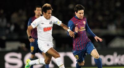 Neymar dan Messi saling duel di Piala Dunia Antar Klub 2011 lalu (foto: Getty Images)