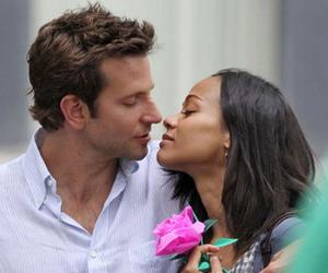 Bradley Cooper 20 Menit Ciuman dengan Zoe Saldana