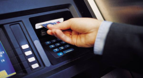 \ATM Bank Mandiri-BCA Nyambung Hari Ini\
