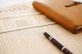 \  Kemnakertrans Terbitkan Aturan Outsourcing dan PKWT\