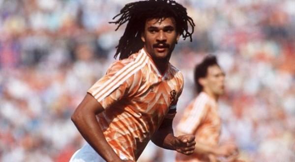 Ruud Gullit kala membela Belanda di Euro 1988 (Foto: Getty Images)