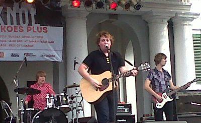 Penyanyi Asal Belanda Berburu Album Koes Plus