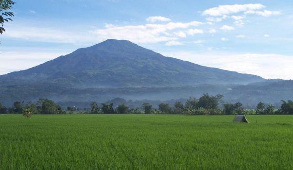 Ini Dia Rentetan Gunung Angker di Indonesia (II-Habis)