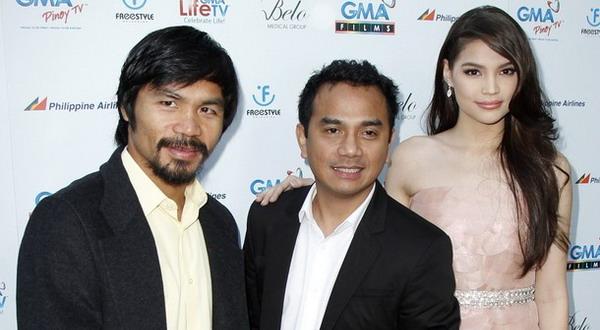 Manny Pazquiao (kiri) bersama sejumlah bintang film asal Filipina di Los Angeles pada 9 Mei 2012 lalu/Reuters