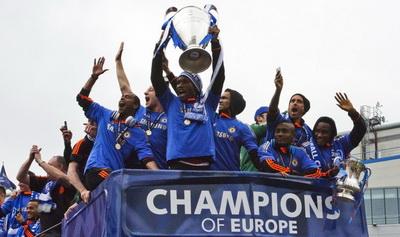 Parade juara Chelsea (Foto: Reuters)