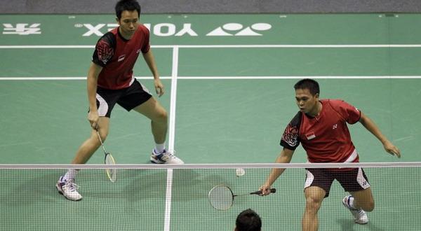 Markis Kido/Hendra Setiawan dikalahkan oleh ganda putra Jepang di perempatfinal Thomas & Uber Cup 2012. (Foto:Daylife)