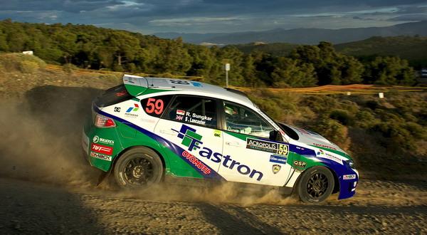 Rifat Sungkar saat melakukan aksinya di hari ketiga Acropolis Rally (foto: dok Fastron World Rally Team)