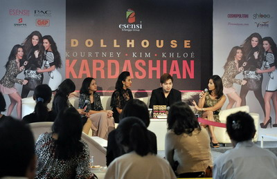 Di Balik Cinta & Gemerlap Keluarga Kardashian