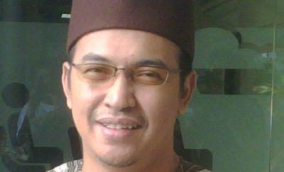 Uje Tak Mau Bersaing dengan Ustadz Solmed