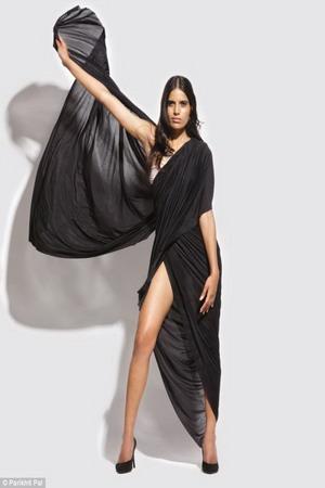Bikini Sari Solusi Bagi Wanita yang Tak Pede Pakai Bikini