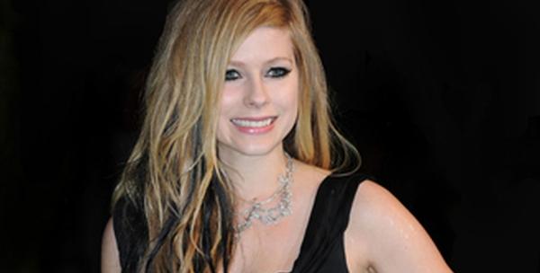 Avril Lavigne (Foto: Showbizspy)