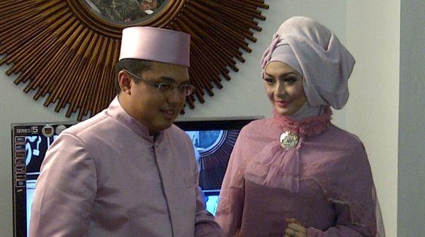 Eddies Adelia dan calon suami, Ferry Kurniawan (foto: Rama Narada Putra/Okezone)
