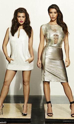 Jadi Manekin, Kourtney & Kim Kardashian Tampil Seksi