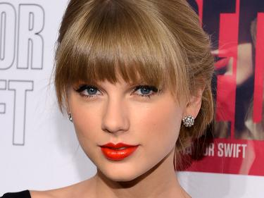 Taylor Swift Tidak Serius dengan Harry Style