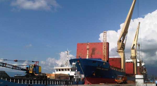 Pembangunan Pelabuhan Kalibaru Terhambat Amdal