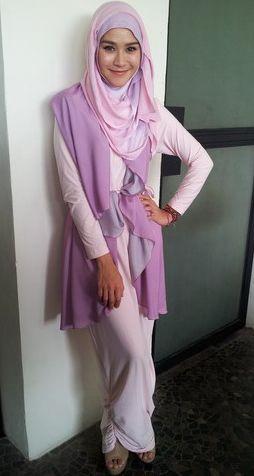 Kreasi Hijab Zaskia Mecca Jadi Panutan