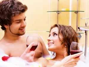 Seks Nikmat di Kamar Mandi? Coba Posisi Ini