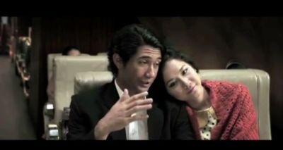 Reza rahardian & BCL dalam adegan di film Habibie & Ainun (Foto: Ist)