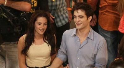 Tujuh Gosip Terkonyol Tentang Robert Pattinson & Kristen Stewart