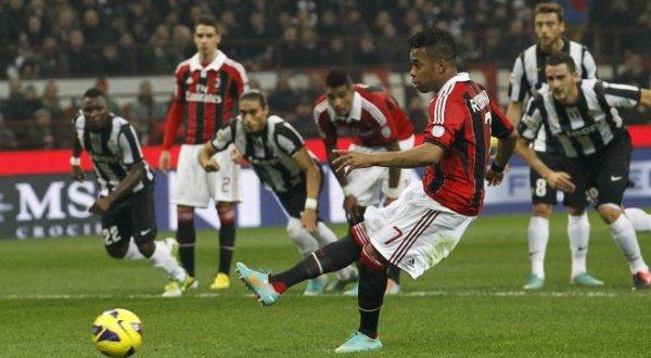 AC Milan dan Juventus berebut misi di Perempat Final Coppa Italia (Foto: Reuters)