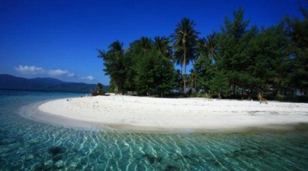 Turis Terdampar di Karimun Jawa, Agen Pariwisata Tanggung Risikonya!