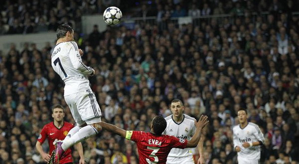 Gol Indah Cristiano Ronaldo Saat Melawan Manchester United (Foto: mirror)
