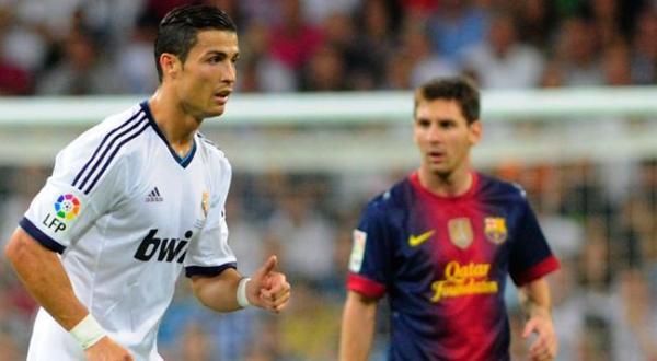 Cristiano Ronaldo dos Santos Aveiro (kiri) dianggap lebih komplet dari Lionel Andres Messi (Foto: ist)