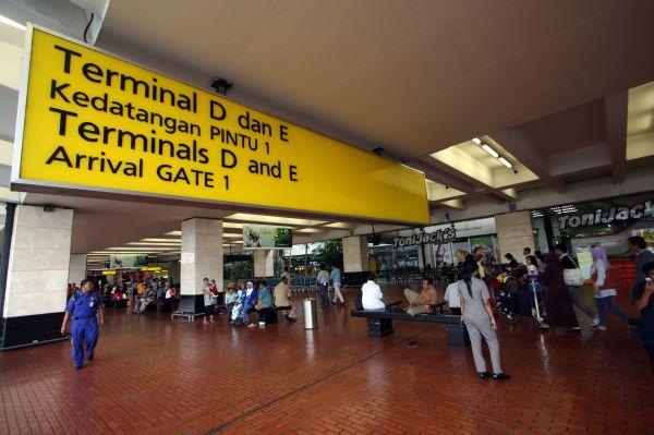 \2013, Bandara Solo Target Penumpang Capai 2.000/Hari\