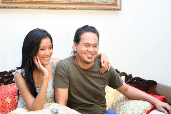 Titi Sjuman & Wong Aksan (foto: Okezone)