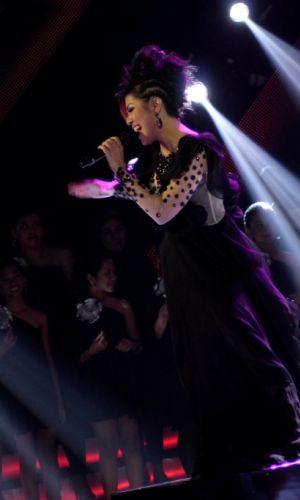 Anggun Puji Gaun dan Make Up Novita Dewi ''X Factor''
