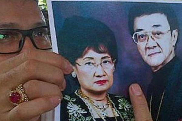 Adi Bing Slamet pamerkan foto Eyang Subur beserta istri (Foto: Edi Hidayat/okezone)