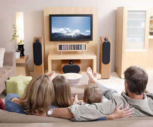 Buka Wawasan Ibu dengan Program Televisi Internasional