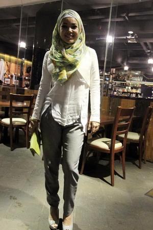 Dewi Sandra Suka Eksperimen dengan Hijab