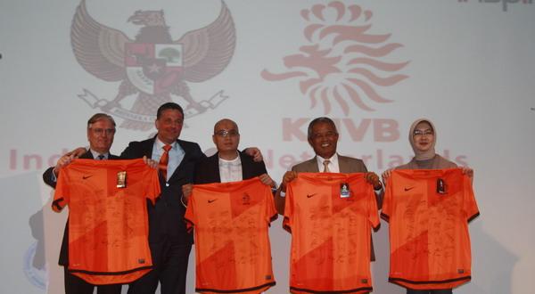 Tjeerd de Zwan (kiri), Marc Boele, Arif Wicaksono, Djohar Arifin, Kanti Mirdiati. (Foto: Rintani Mundari/Okezone)